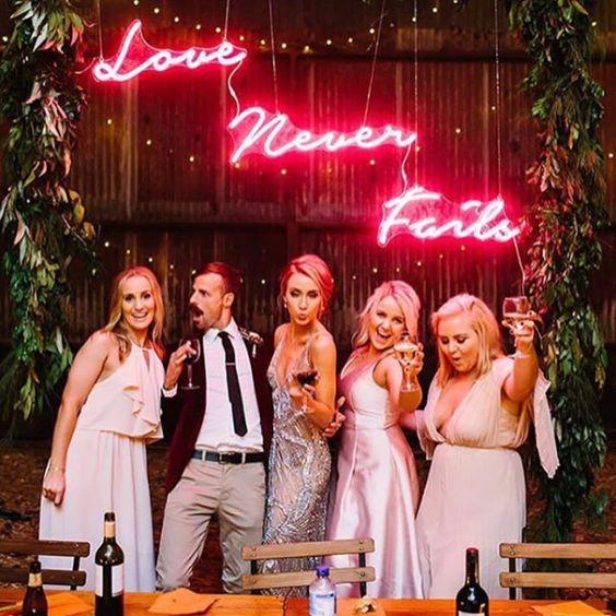 neonove wesele